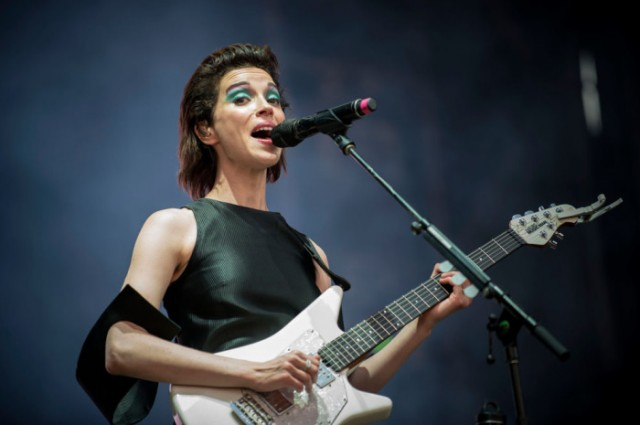 st-vincent-lollapalooza-chile-2015-13-700x465