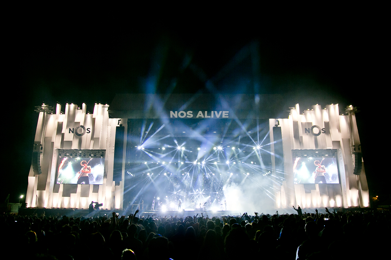 Crowd & Atmosphere at NOS Alive, Lisboa, Portugal - 8 JULY 2016