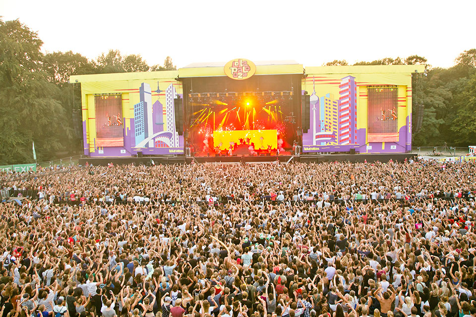 crowd_and_atmosphere_lollapalooza_berlin_2016_matias_altbach-37
