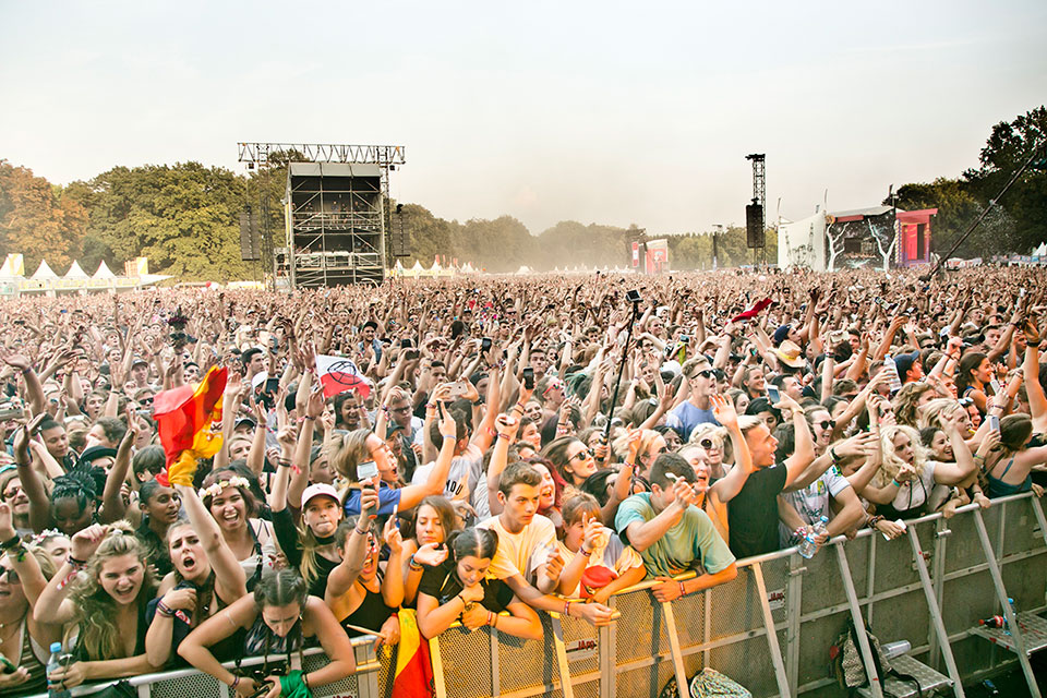 crowd_and_atmosphere_lollapalooza_berlin_2016_matias_altbach-7