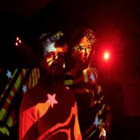 Prietto viaja al cosmos con Mariano en Teatro Margarita Xirgu