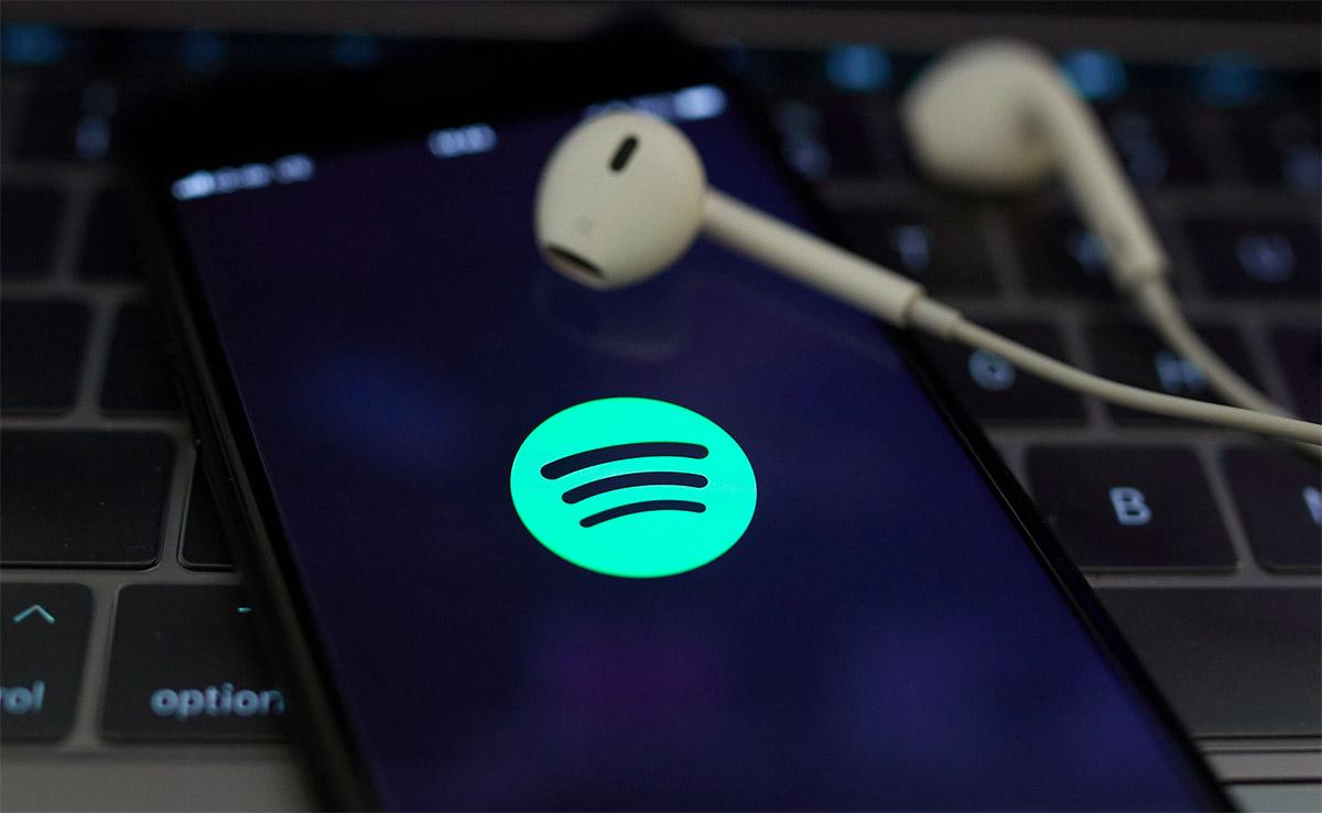Spotify afirma que pagó de más a los músicos y pide un reembolso