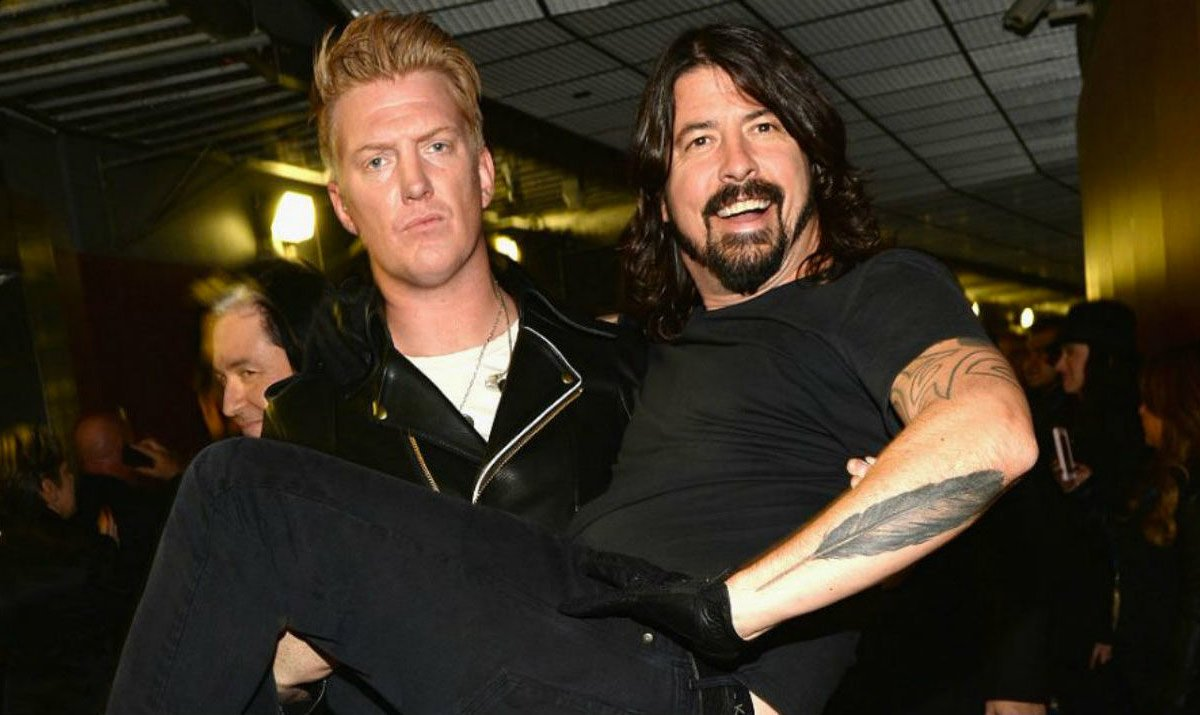EL TOPIC DE LOS FOO FIGHTERS - Página 11 Josh-Homme-Dave-Grohl