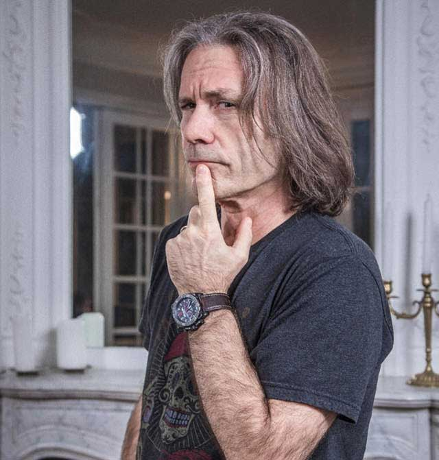 Bruce Dickinson presentará autobiografía en México