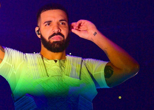 Abuchean y sacan del escenario a Drake en festival de Los Ángeles