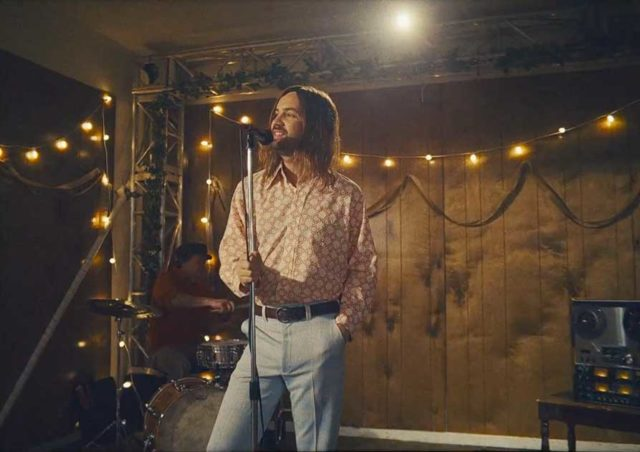 "Tame Impala viaja a los 70 en su nuevo video:""Lost in Yesterday"""