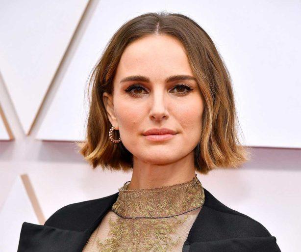 El mensaje feminista del vestido de Natalie Portman en los Oscars