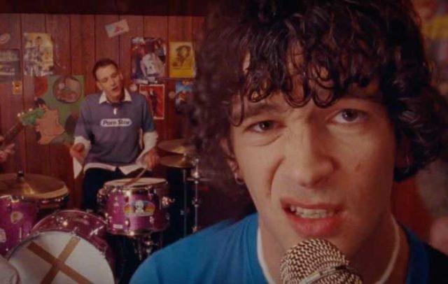 "The 1975 estrena el nostálgico video""Me & You Together Song"""