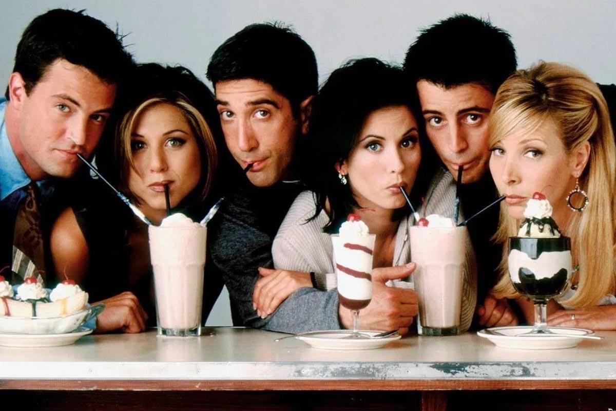 Friends: La foto que Matthew Perry subió del especial y luego borró