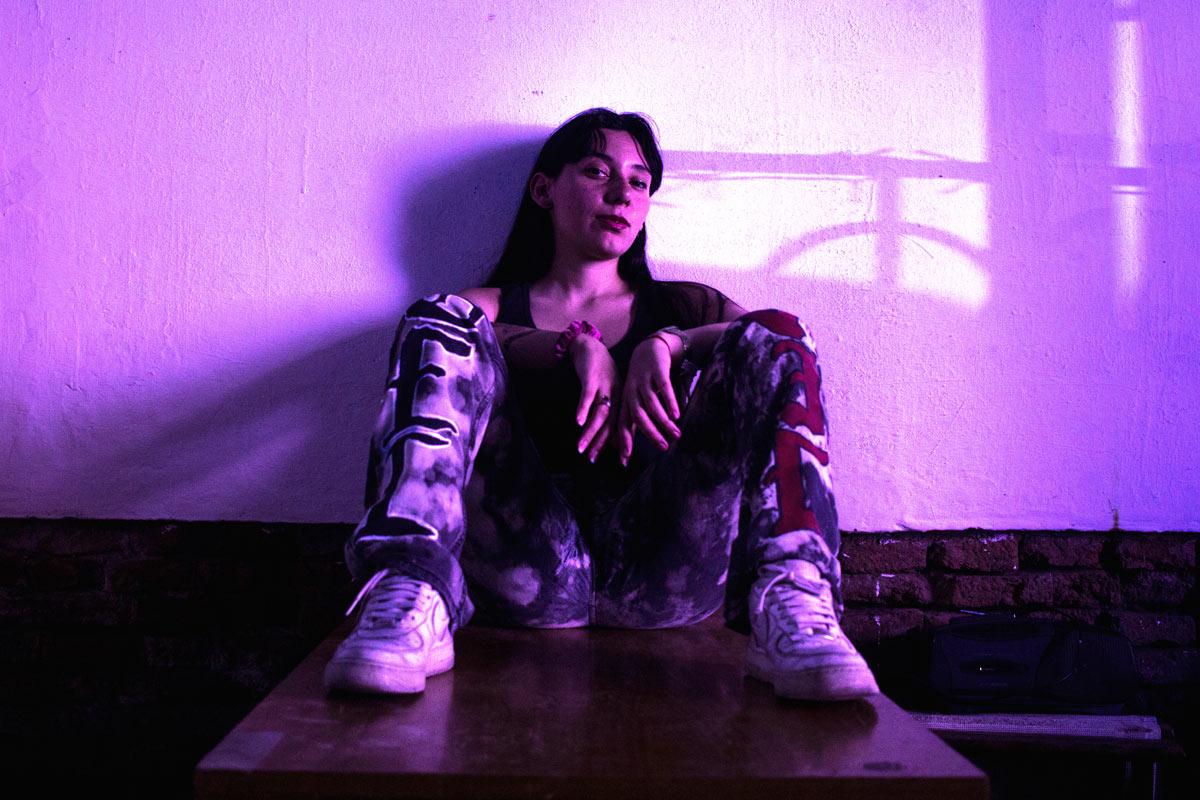 Entre R&B, hip hop y reggaetón, Eve Calletti trae el flow mendocino