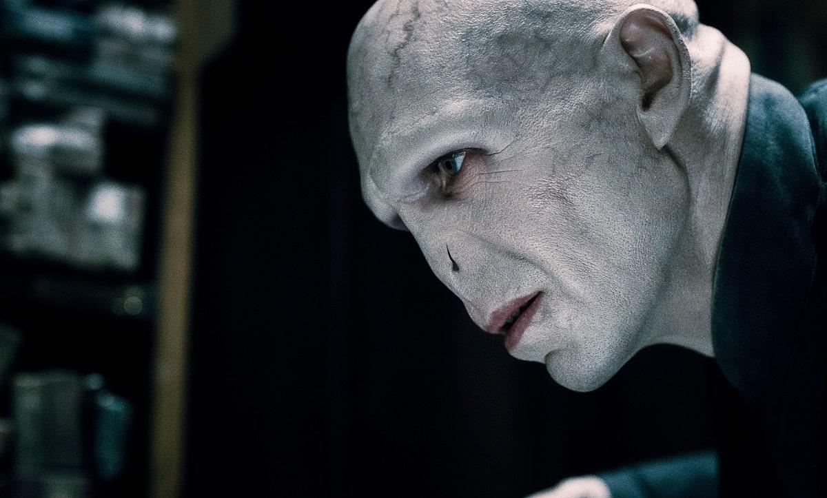 Ralph Fiennes como Lord Voldemort en Harry Potter.