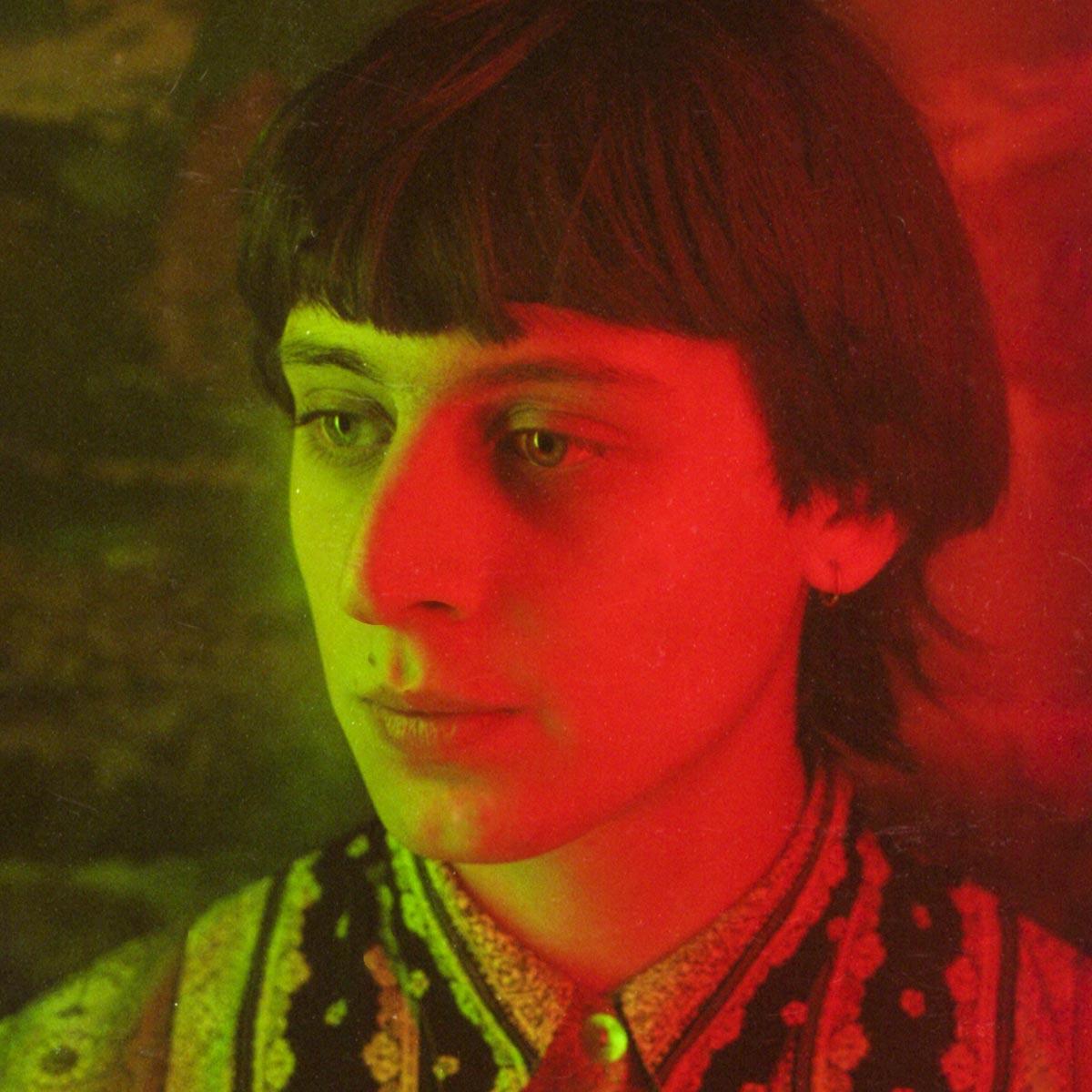 Erich Larsson habla sobre Cronenberg, Charly y las influencias de su disco debut: Adorno
