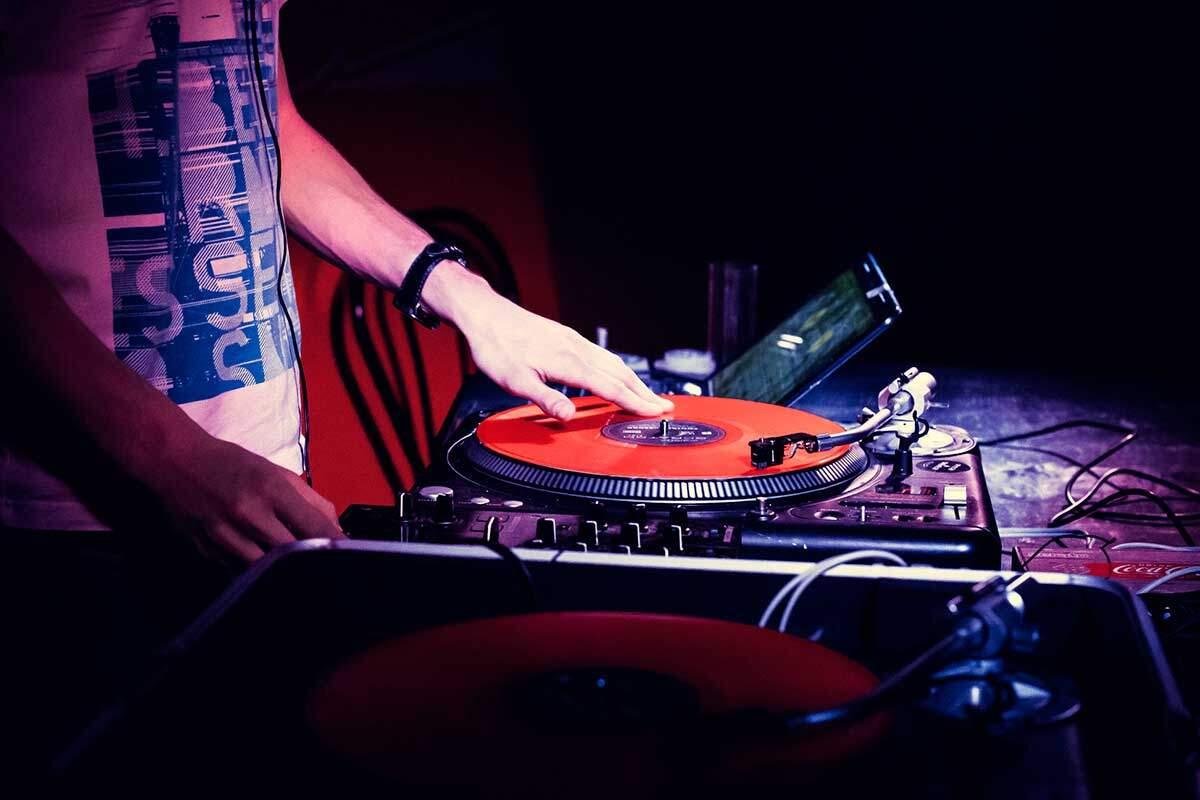 Cuáles son los mejores DJ de la Argentina y cómo convertirte en un buen DJ
