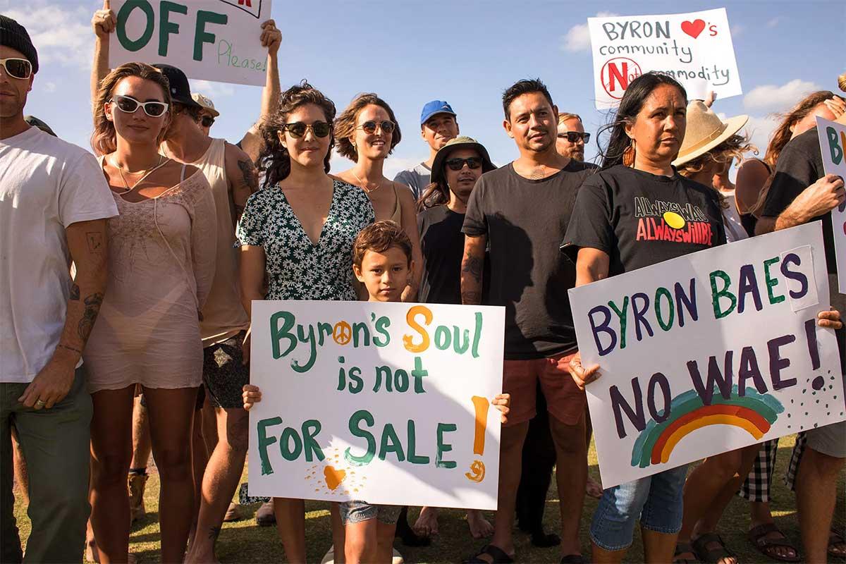 Protestas en contra del reality show Byron Baes