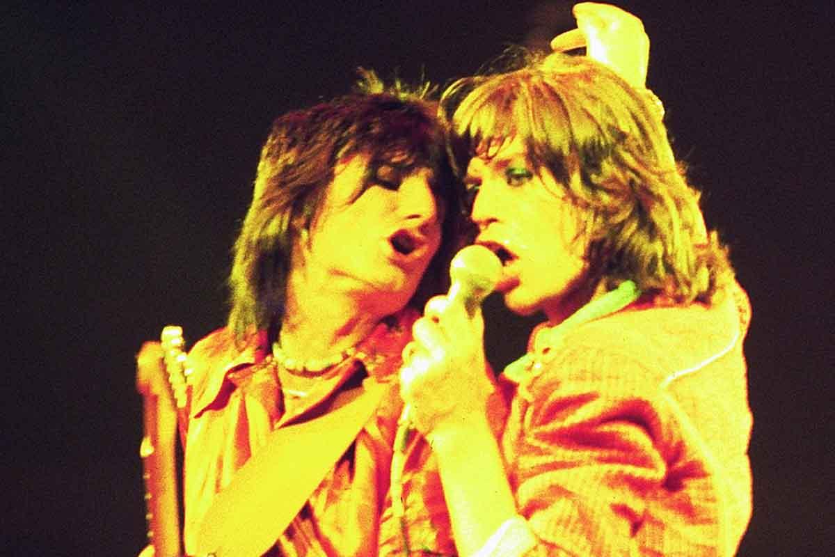 Ron Wood y Mick Jagger de The Rolling Stones en 1975