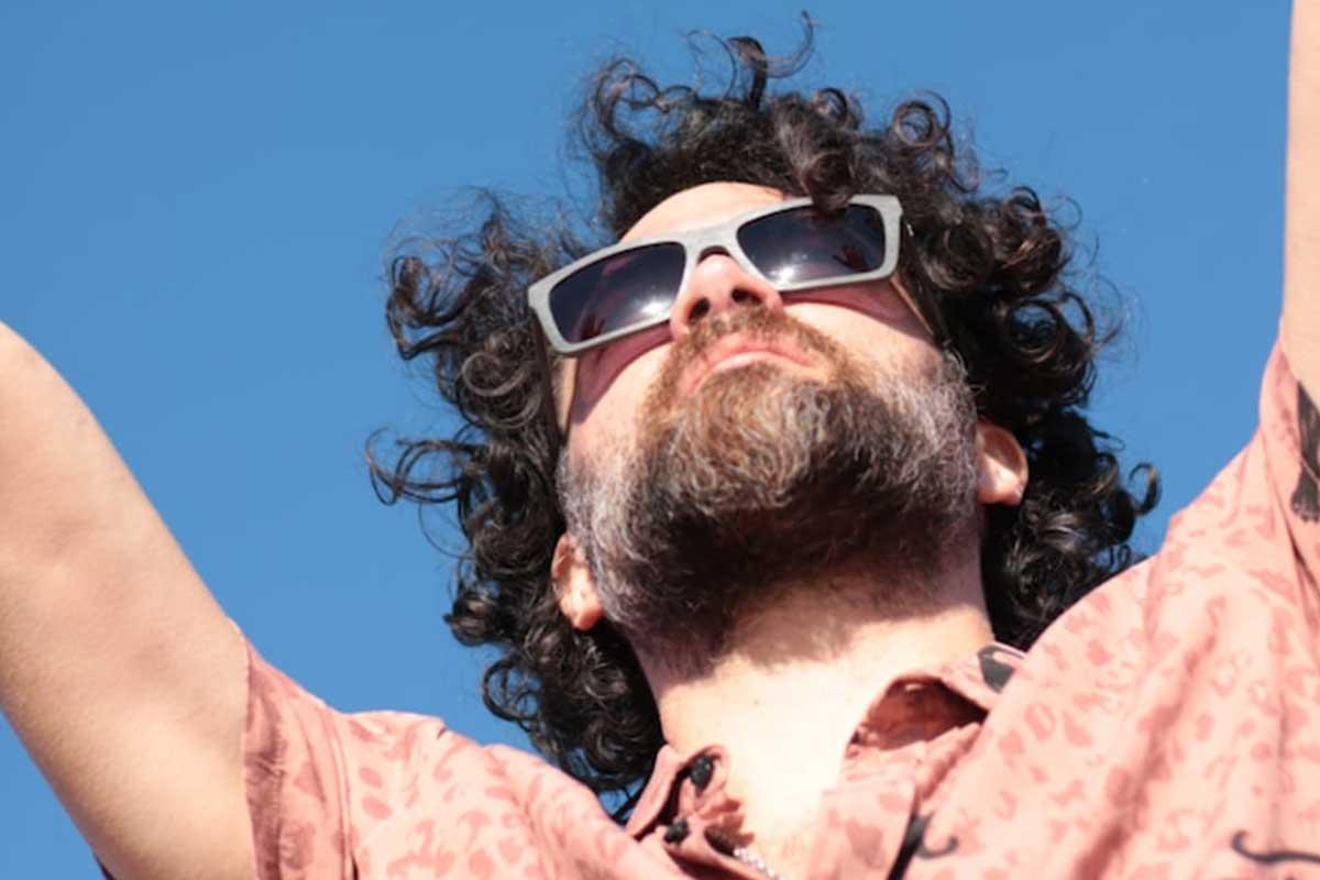 Octavio Suñé presenta sus canciones que llaman a tomar conciencia por el medio ambiente