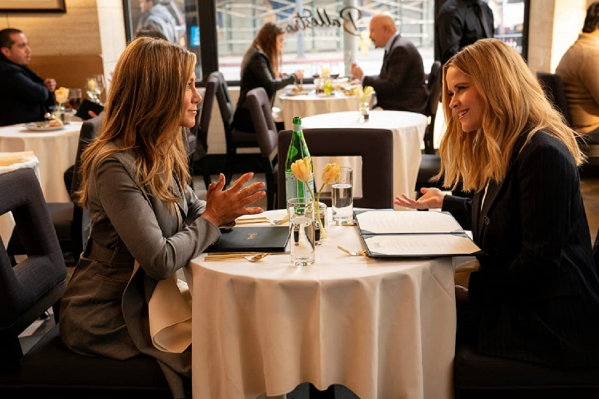 Jennifer Aniston y Reese Witherspoon en The Morning Show (2019)