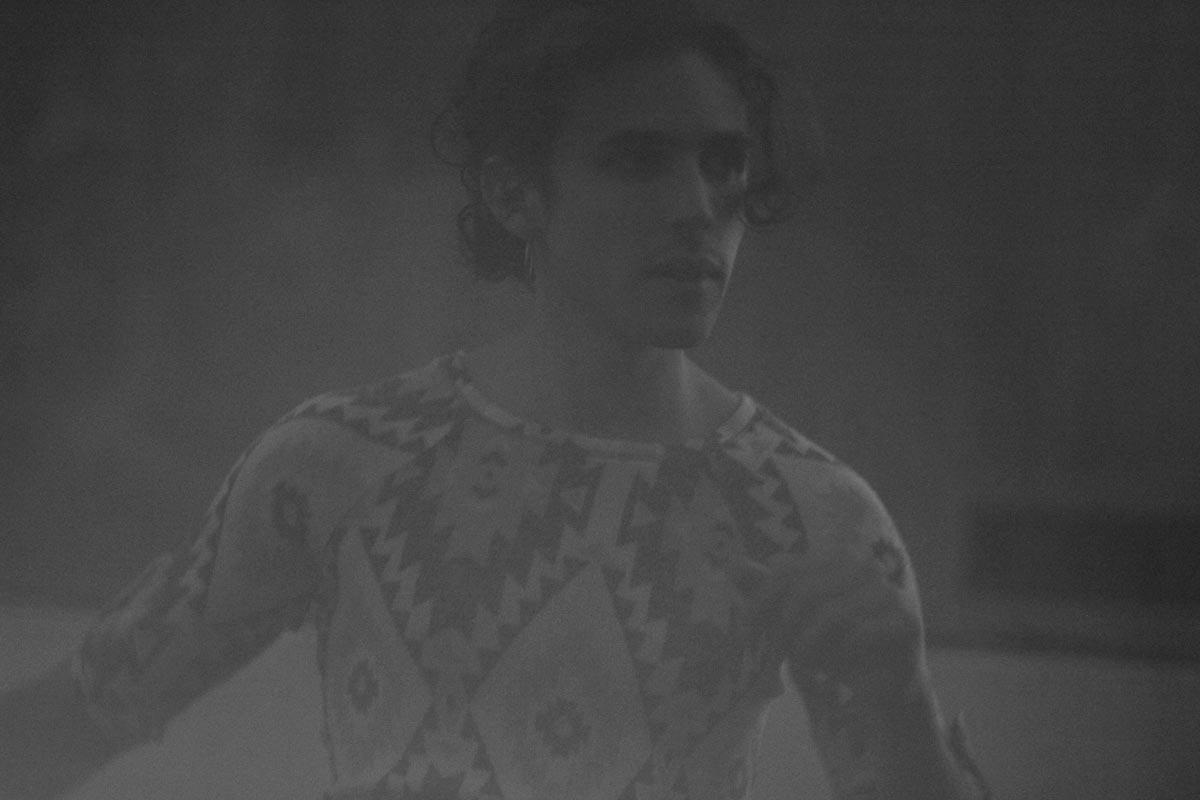 Tomi Porcelli se reinventa con la última pieza de sus cuatro EPs: Pausa