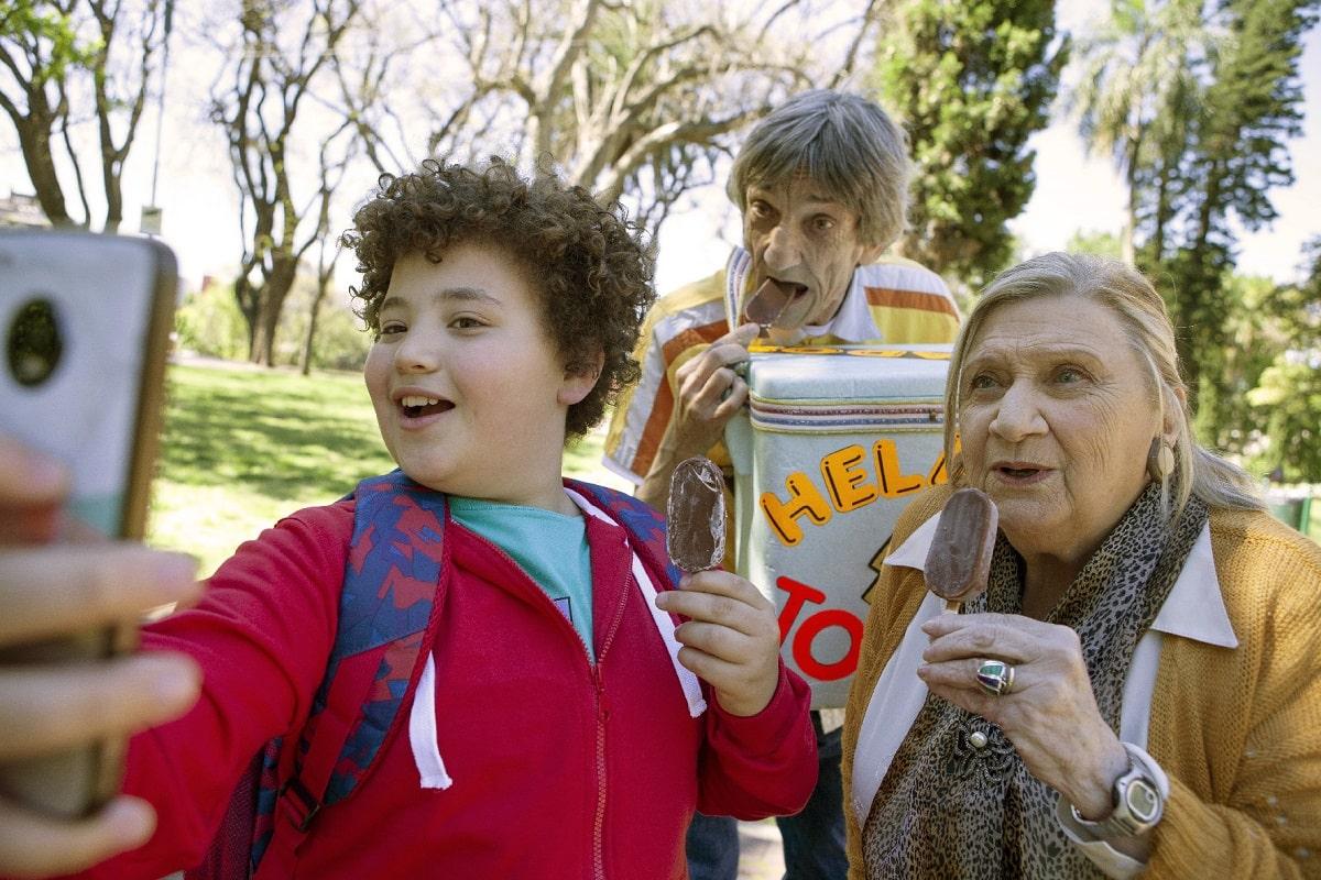 Palito bombón helado: El corto sobre una abuela y su nieto que estrena en CineAr